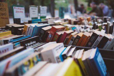 少しでもお得に【本を安く買う方法】知っていますか?