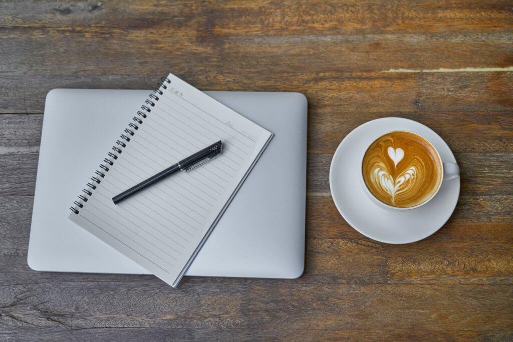 読書ノートとカフェオレ