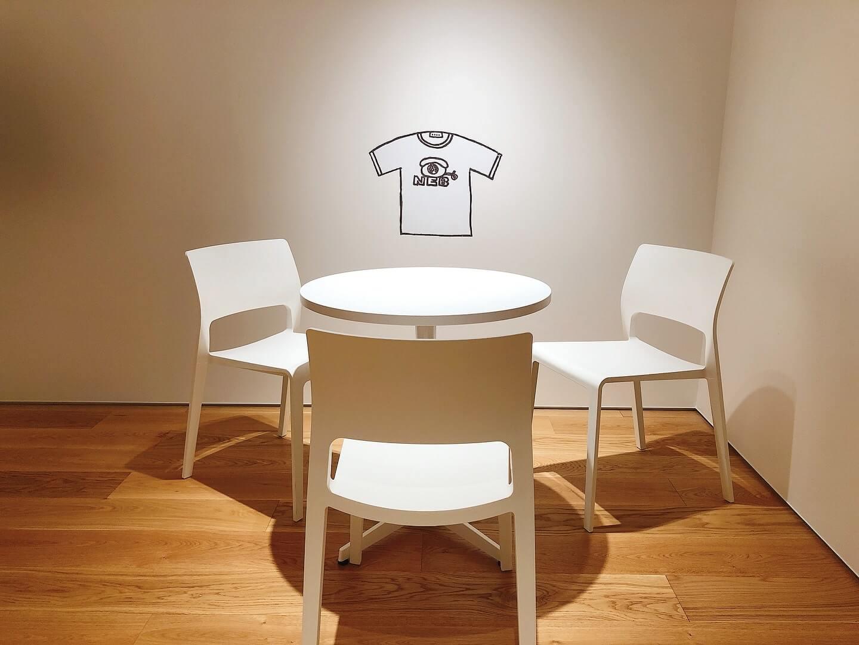 『風の歌を聴け』に登場するTシャツのイラスト